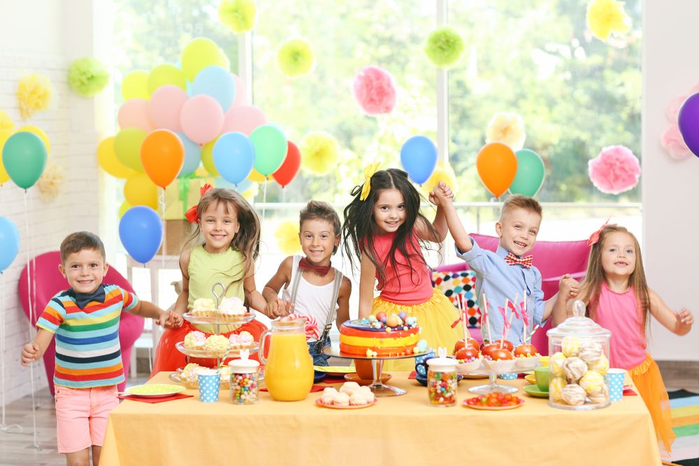 popcorn machine, candy floss, hot dog machine, helium balloons, candy floss machine, parties, events